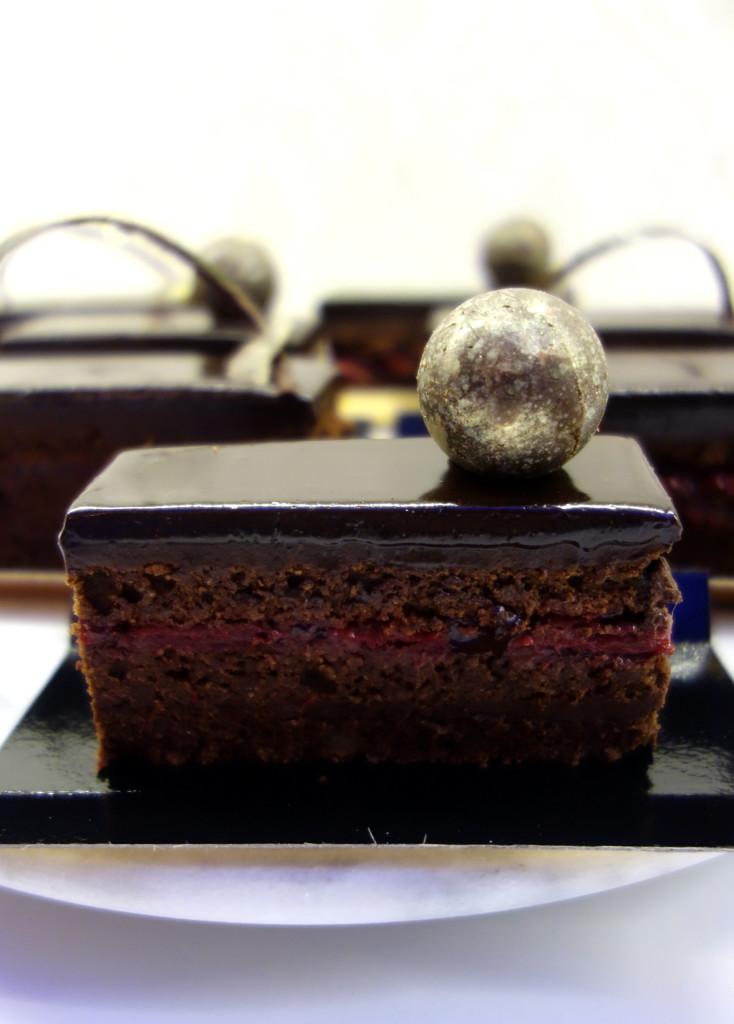 sacher-cake_23897290941_o
